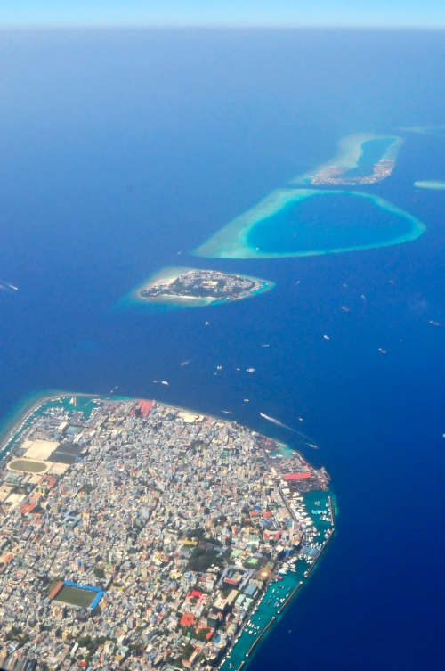 Early adopter: the Maldives. Nattu, CC BY