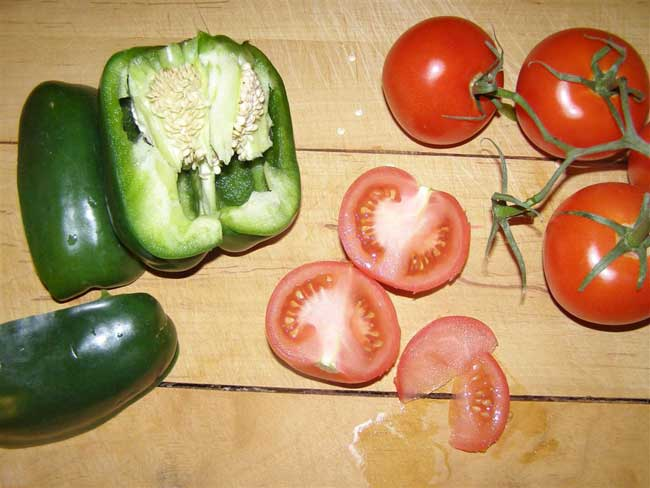 Photo Credit: University of Minnesota - Saving vegetable seeds: Tomatoes, peppers, peas and beans
